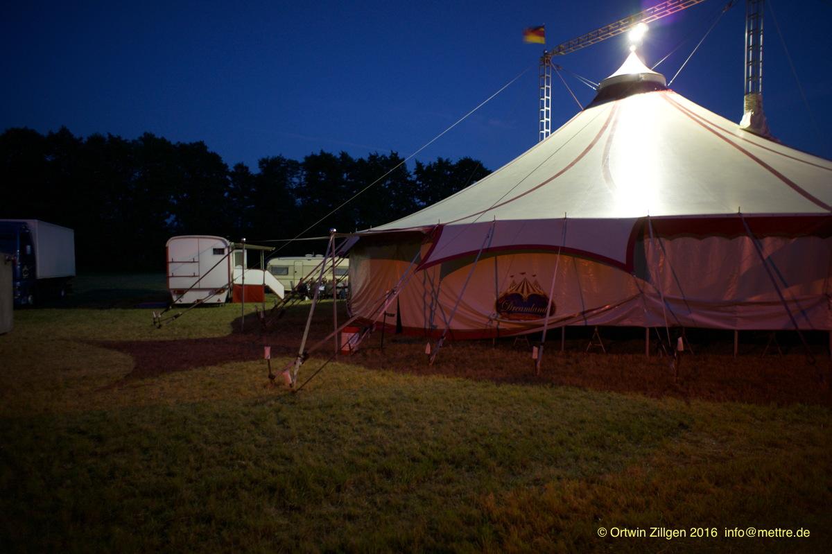 nachts am Zirkus